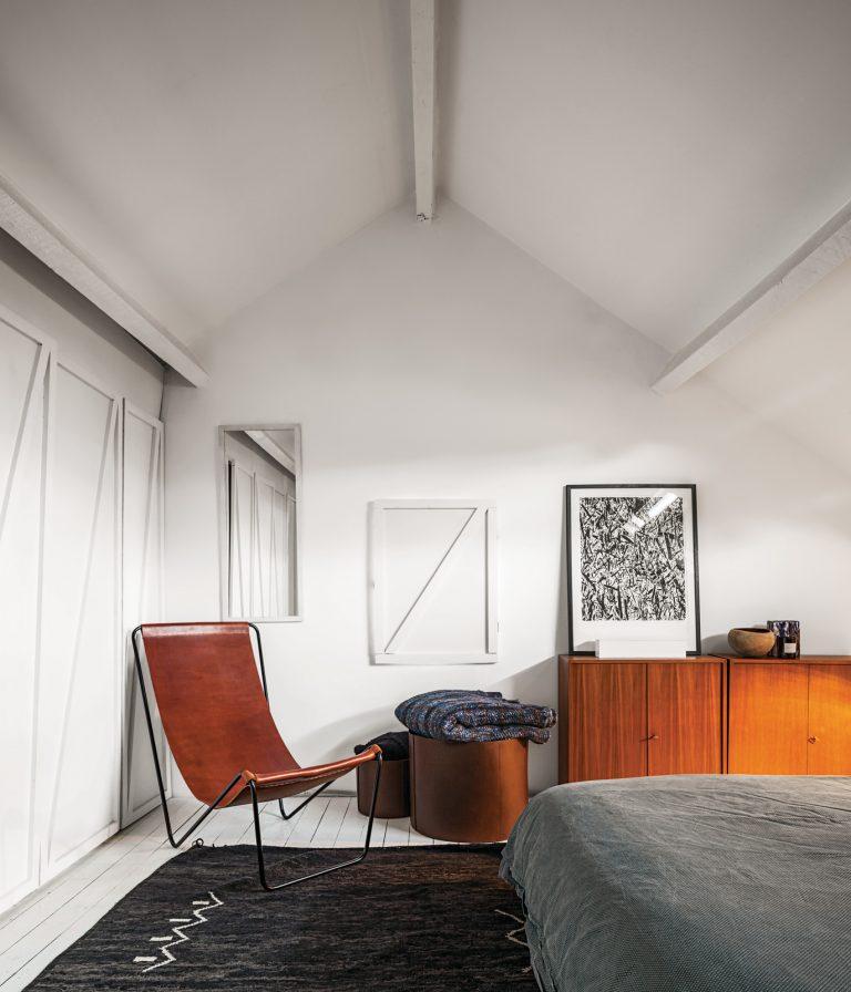 michael-verheyden-house-sling-chair-dwell-768x896